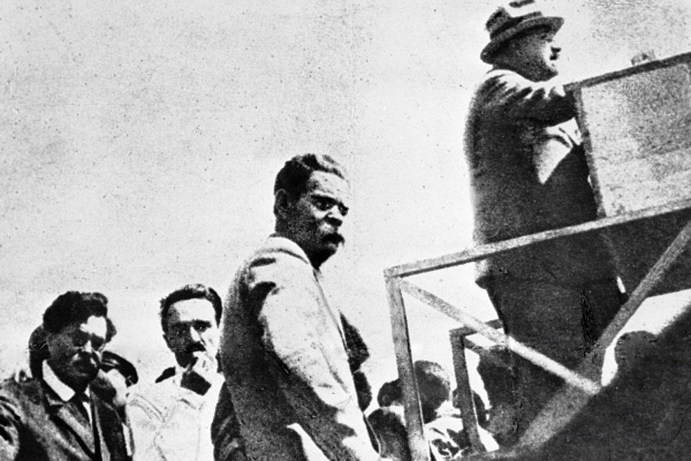 Анастас Микоян и Максим Горький на строительстве московского стадиона «Динамо». 1927 год.