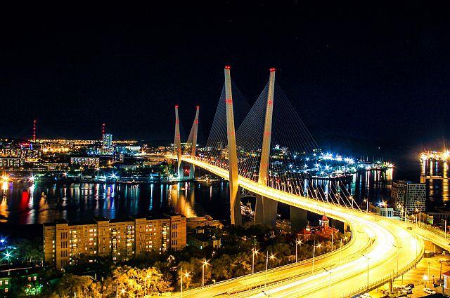 Золотой мост свободного порта Владивосток.