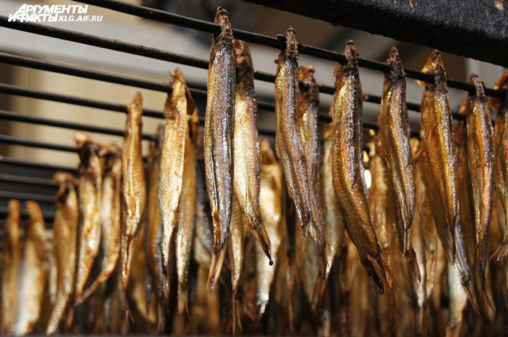 Рыба готова, как только приобретает янтарный оттенок.