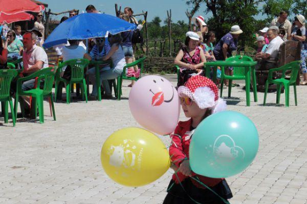 Праздник виноделия в посёлке Саркел организуют в третий раз.