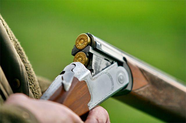 Омич выстрелил из ружья в родственников.