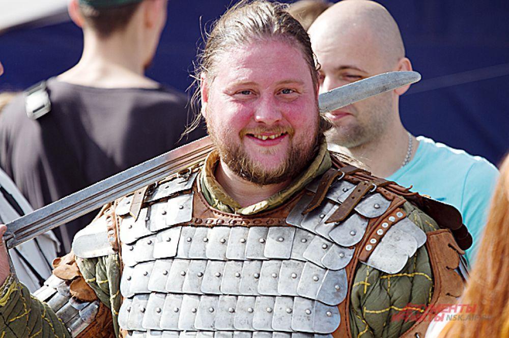 ... реконструкция рыцарских боёв...