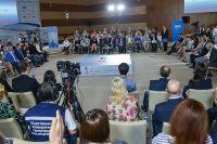 Участники МедиаФорума на встрече с губернатором Приморского края.