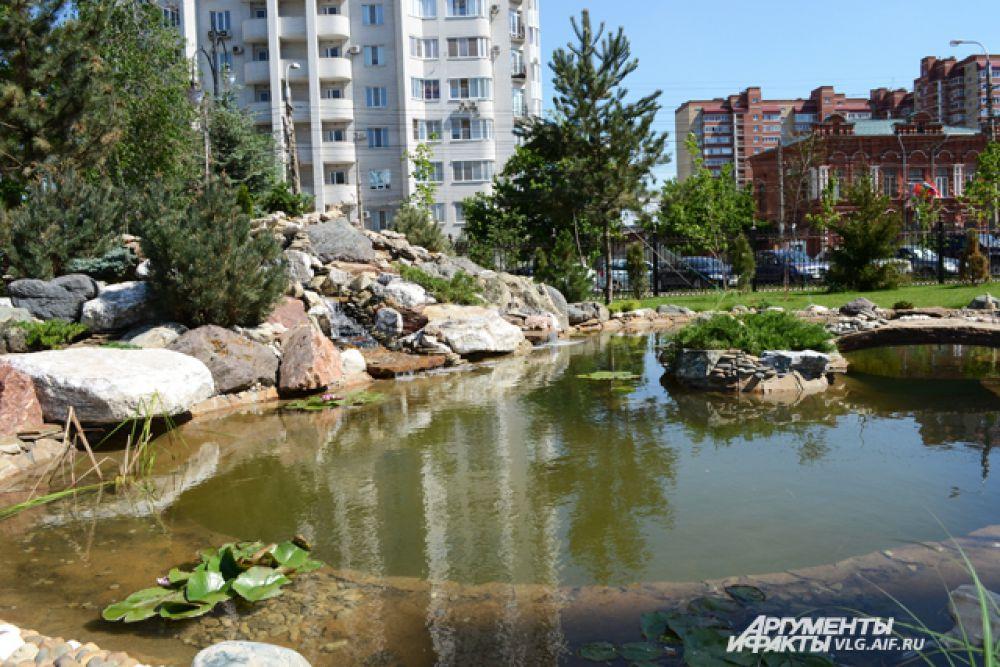 Реконструкция в парке им. Саши Филиппова была завершена к 1 июня 2015 года. Здесь появился искусственный пруд и площадка для детей с инвалидностью.