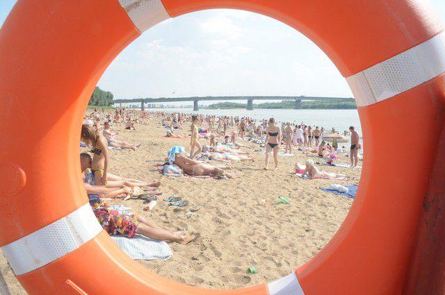 На пляжах каждый день с 9.00 до 21.00 дежурят спасатели.