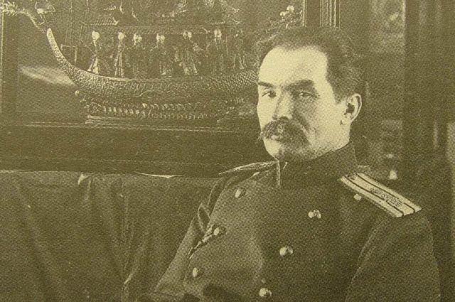 Более 2000 книг и свитков на тангутском языке было вывезено Козловым из Хара-Хото.