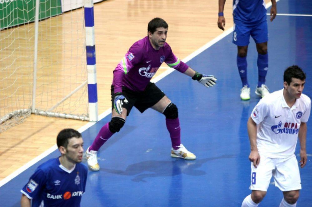 Вратарь Звиад Купатадзе сыграл предельно надежно.
