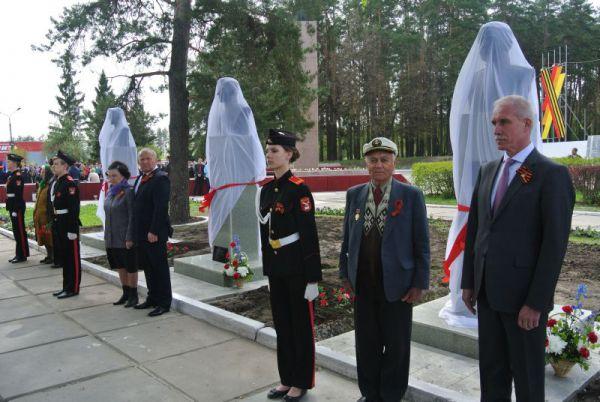 Завершено создание Аллеи Героев - открыты три новых бюста Героев Советского Союза.