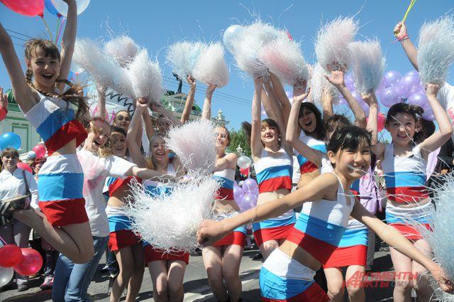 В День России омичей научат танцевать.