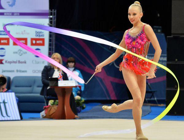 Яна Кудрявцева — российская гимнастка, восьмикратная чемпионка мира по художественной гимнастике (2013, 2014), многократная чемпионка Европы (2012, 2013, 2014, 2015), самая юная абсолютная чемпионка мира за всю историю художественной гимнастики.