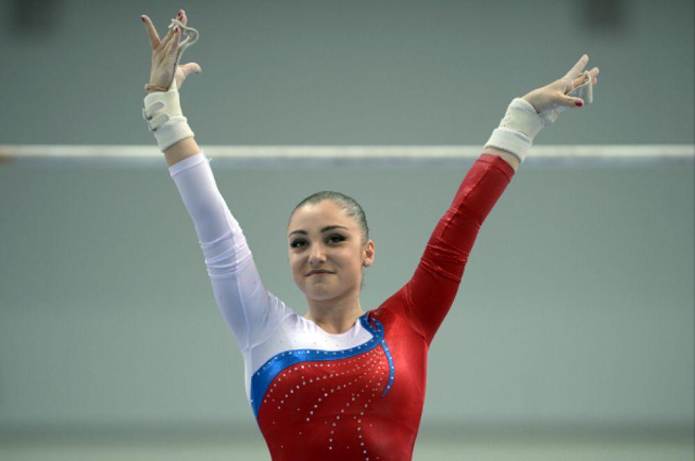 Алия Мустафина — российская гимнастка. Олимпийская чемпионка 2012 года в упражнении на брусьях, серебряный и двукратный бронзовый призёр Олимпиады 2012 года. Трёхкратная чемпионка мира, трехкратная чемпионка Европы, многократный призер чемпионатов мира и Европы. Спортсменка года-2012 в России.