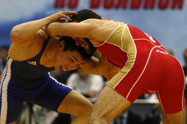 Борец-вольник, чемпион мира, Виктор Лебедев.