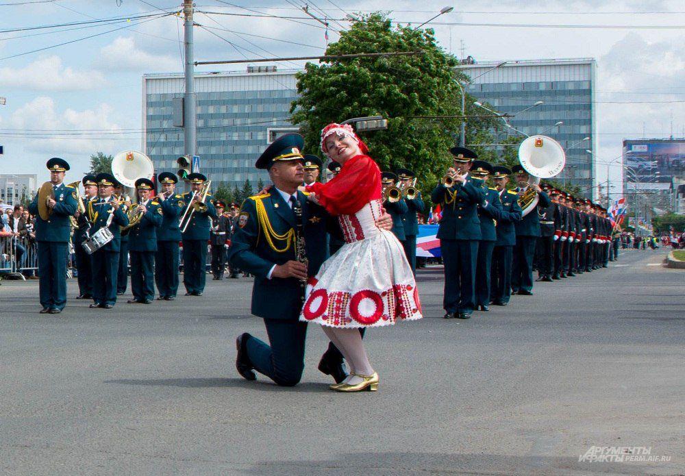Пермский губернский военный оркестр показал фрагмент из своего дефиле