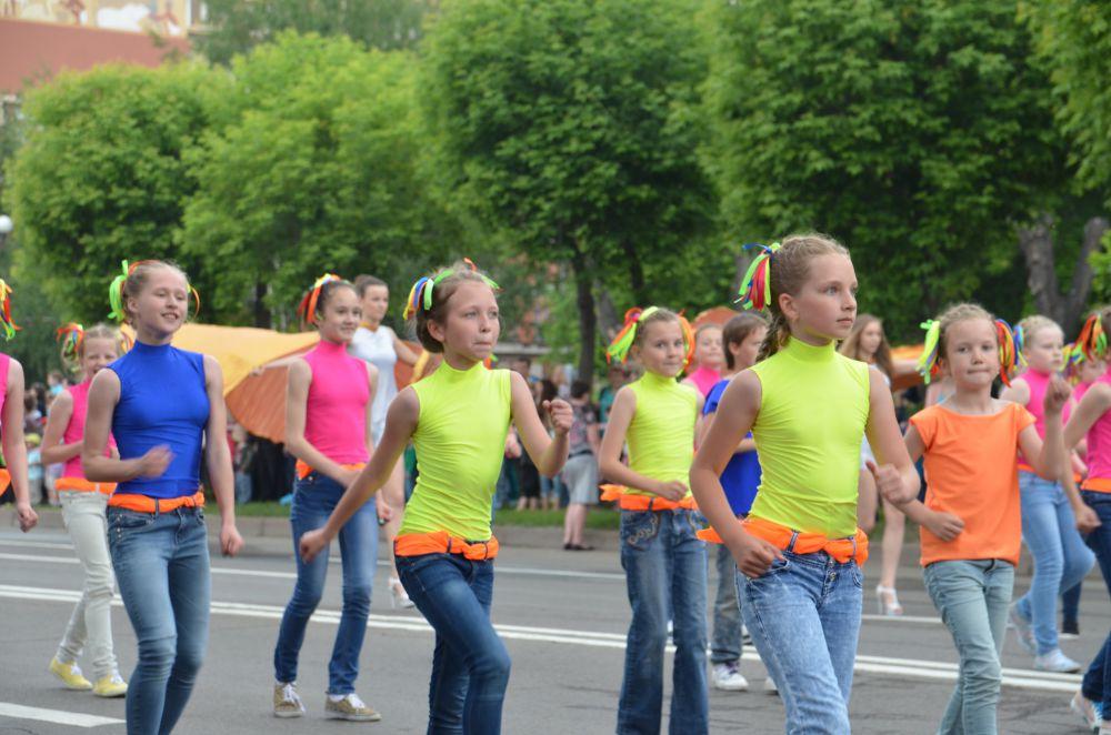 Современные танцы можно танцевать и в джинсах
