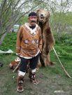 Или сфотографироваться с медведем...