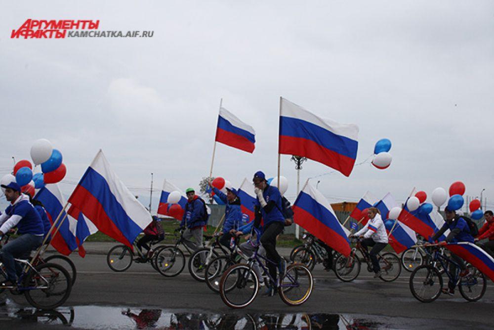 В велопробеге приняли участие школьники и студенты, представители общественных организаций, спортивных объединений и федераций.