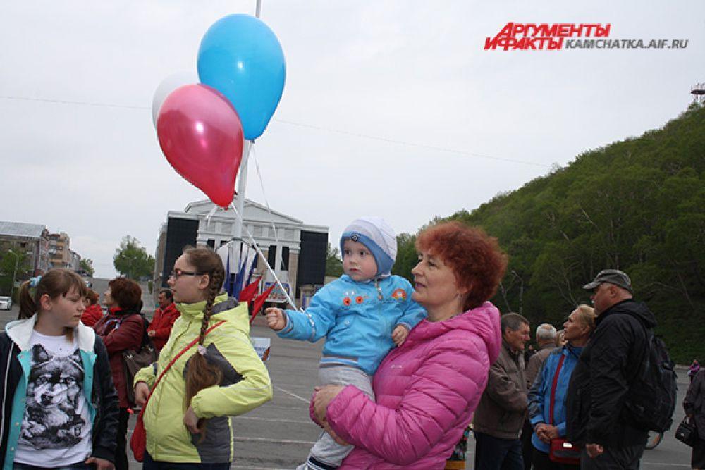 В праздничных мероприятиях, посвящённых Дню России, в Петропавловске-Камчатском приняли участие 5 тысяч человек.