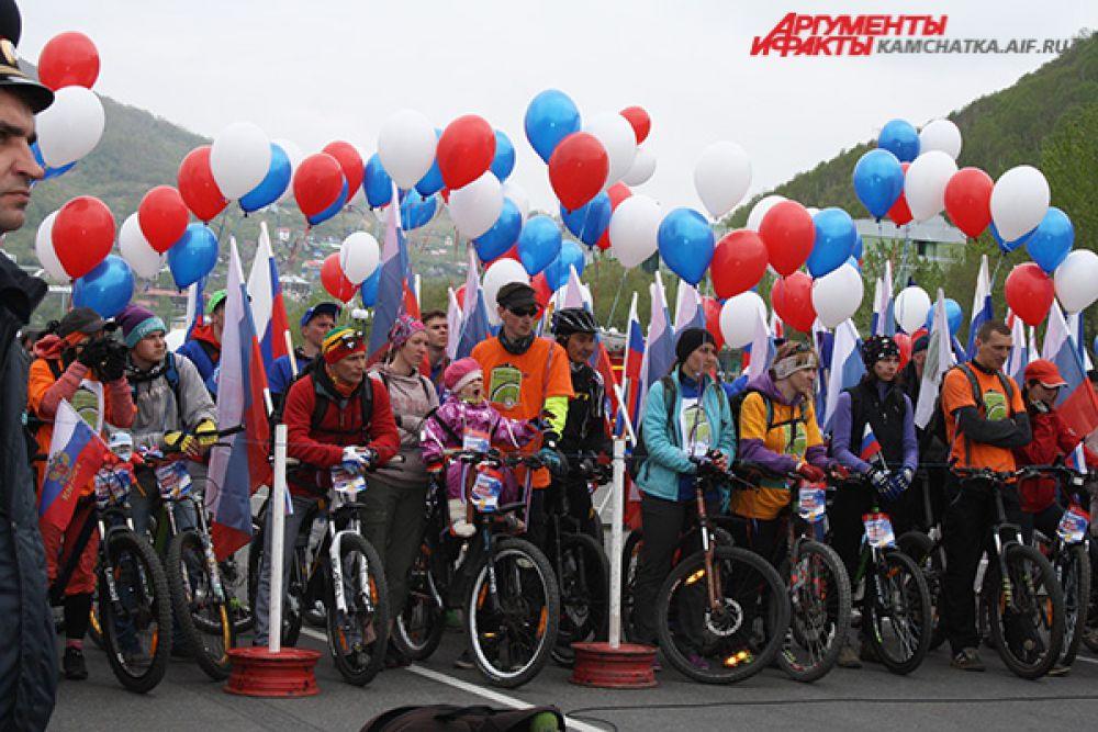 В краевом центре праздничную программу открыл велопробег «Виват, Россия!».