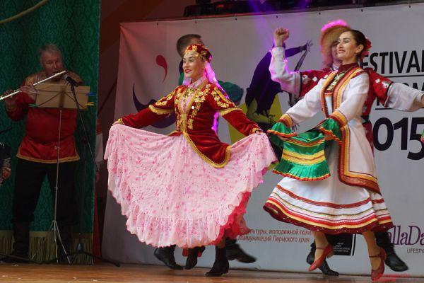 Фестиваль танцев в парке Горького.