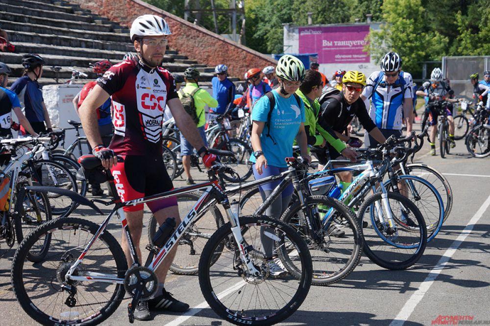 На мероприятие приехало около 100 велосипедистов.