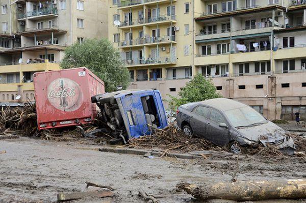 Предположительно, стихия – причина разрушений на десятки миллионов долларов.