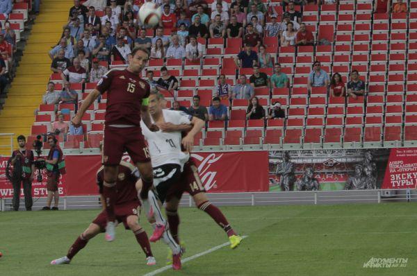 Борьба в штрафной сборной Австрии