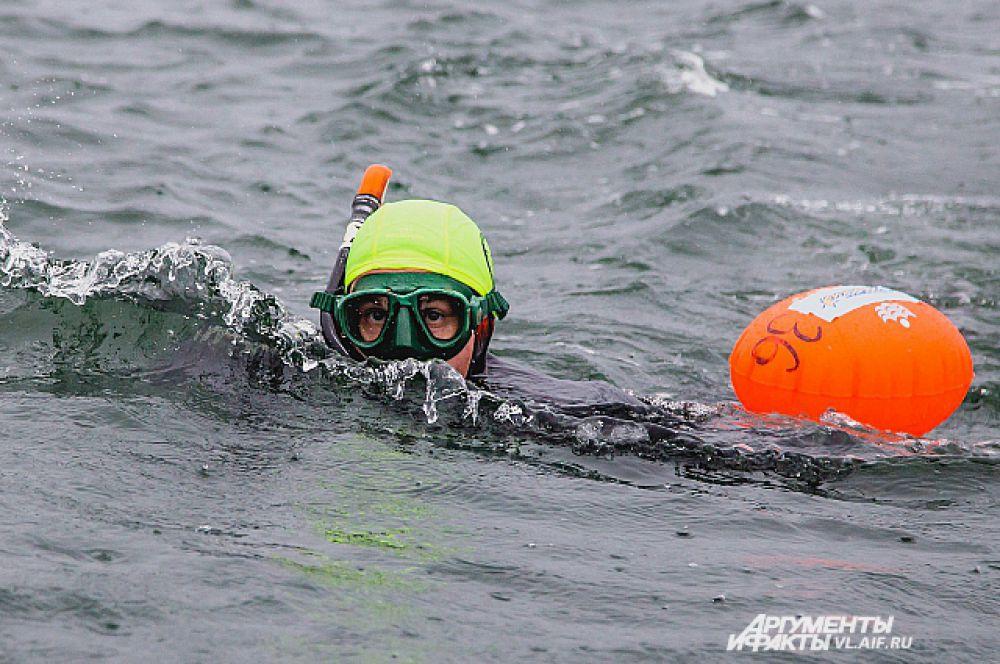 Первый километр. Заплыв нормальный.
