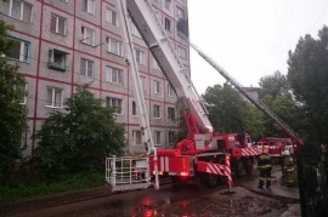 Из дома было эвакуировано 46 человек.