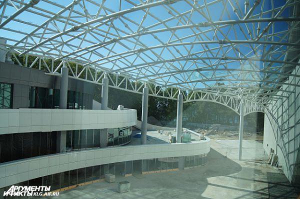 Часть залов и помещений «Янтарь холла» пока еще закрыта для посетителей.