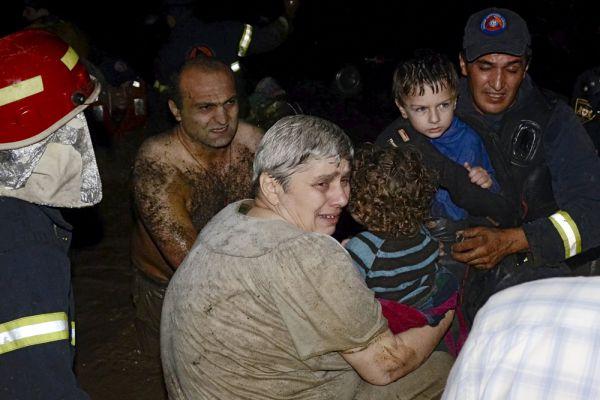 В Грузии 15 июня был объявлен день траура по жертвам самого разрушительного за всю историю страны наводнения.