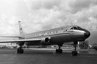 Реактивный самолет Ту-104.