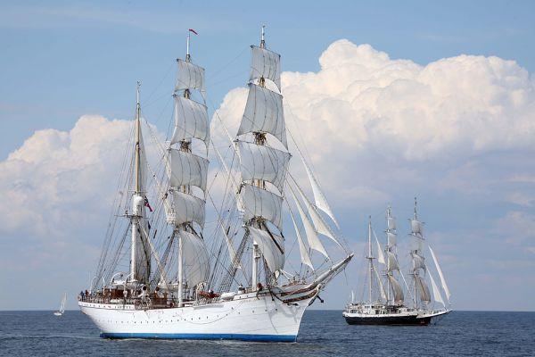 «Стадсраад Лемкуль» — «Член кабинета министров Лемкуль» или «Министр Лемкуль») — трехмачтовый норвежский парусный корабль, барк, 1914 года постройки. Приписан к порту Берген. Является самым старым и самым большим парусным судном в Норвегии. Построен в 1914 году на верфи «Иоганн Текленборг» в Геестемюнде, как учебный корабль для курсантов германского торгового флота, назван «Гроссгерцог Фридрих Август». Сегодня барк «Стадсраад Лемкуль» часто используется в качестве учебного корабля для обучения будущих офицеров военно-морской академии Королевских ВМС Норвегии.