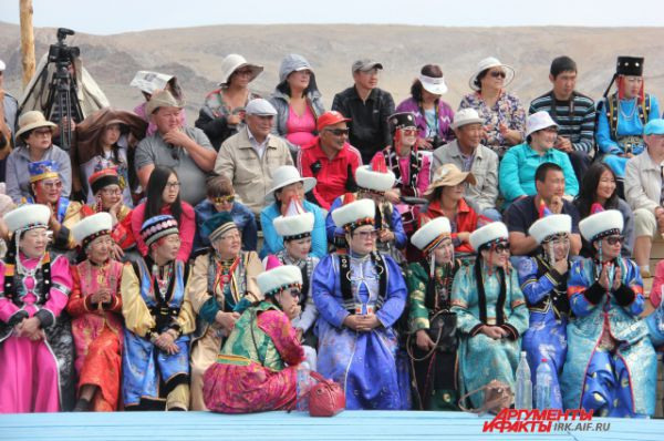 Народные костюмы участников стали изюминкой фестиваля.