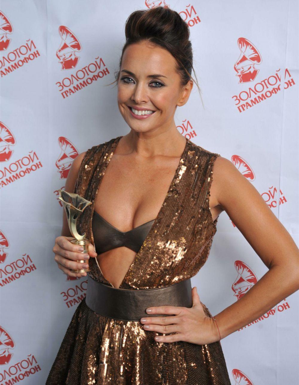 Золотой граммофон певица получала в 2007 и 2010 годах за песни «Малинки» и «А на море белый песок».