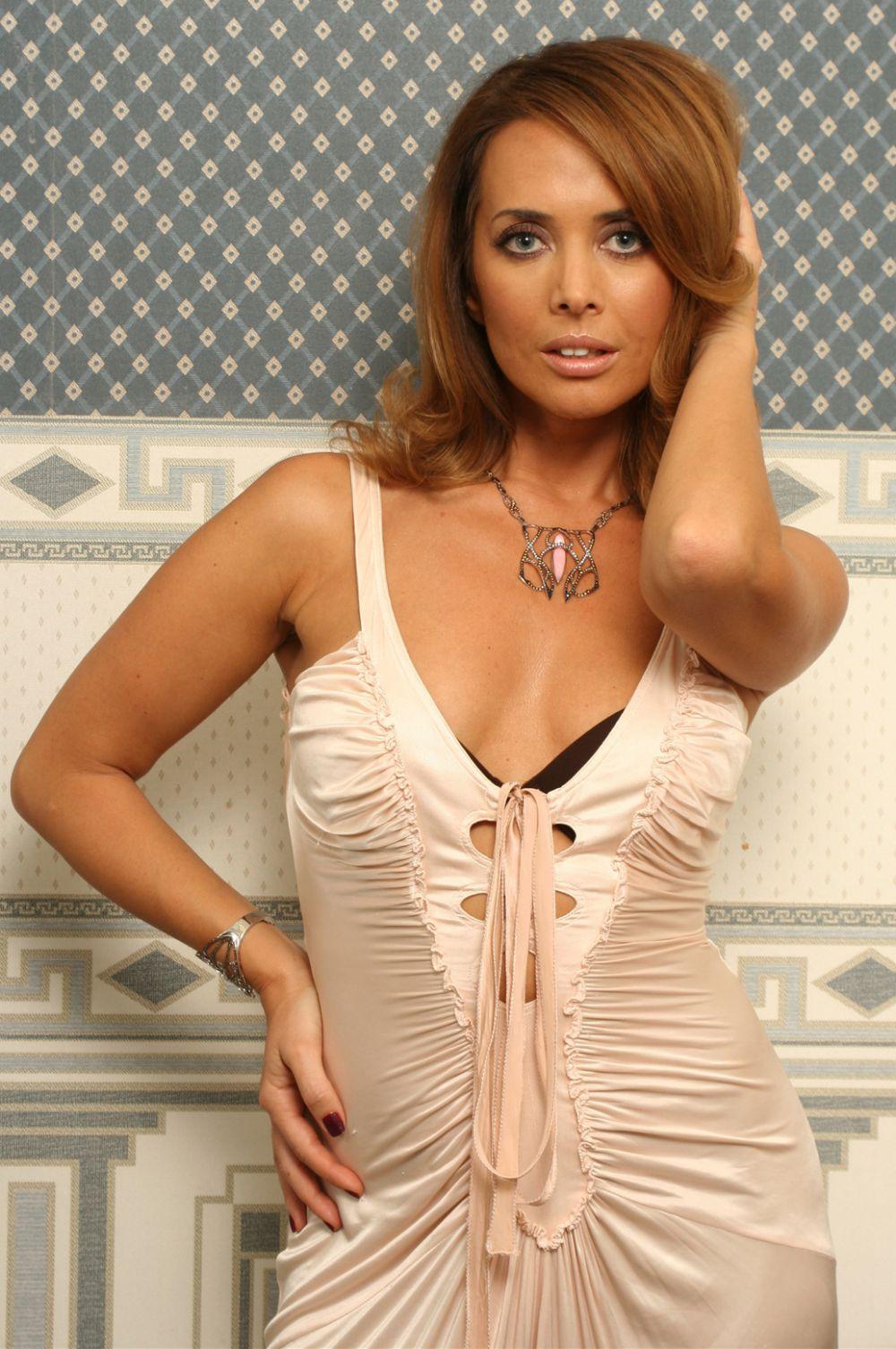 Певица снималась для различных журналов, в числе которых «Maxim», «Top Beauty», «InStyle», «OK!», «allure» и «Elle».