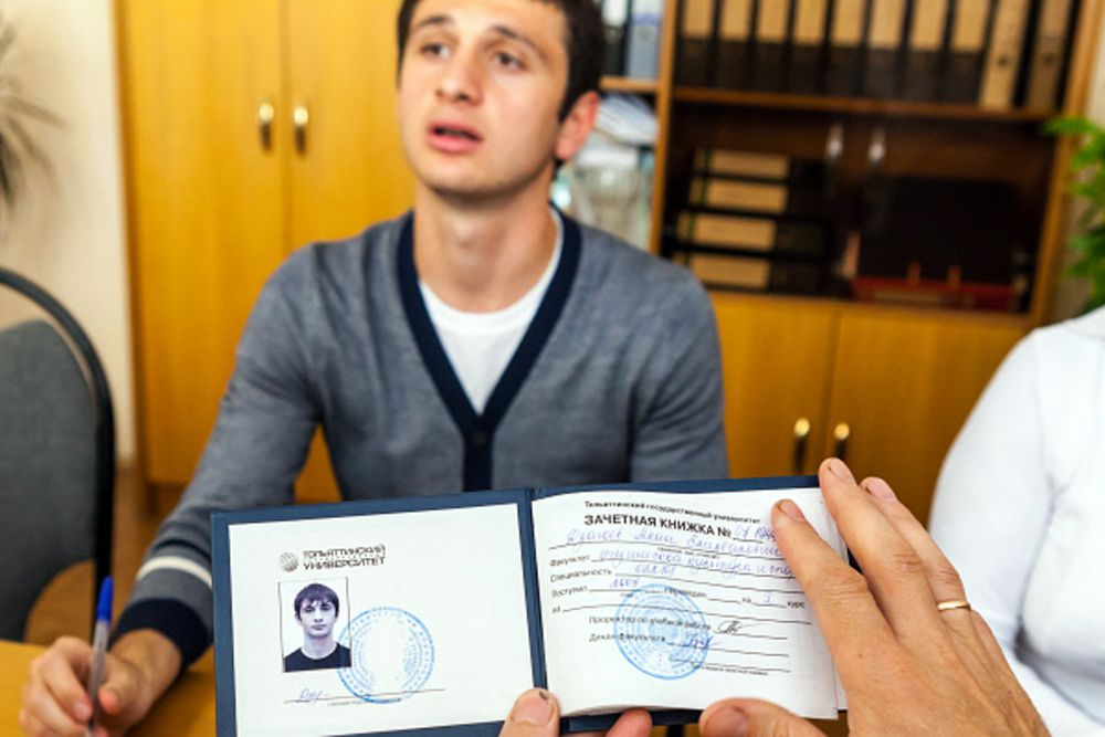 В июне 2012 года Дзагоев защитил в Тольяттинском государственном университете дипломную работу «Оптимизация соотношения соревновательной и тренировочной деятельности футболистов команд высшей лиги».