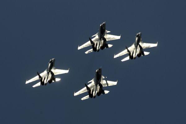 Истребители Су-35.