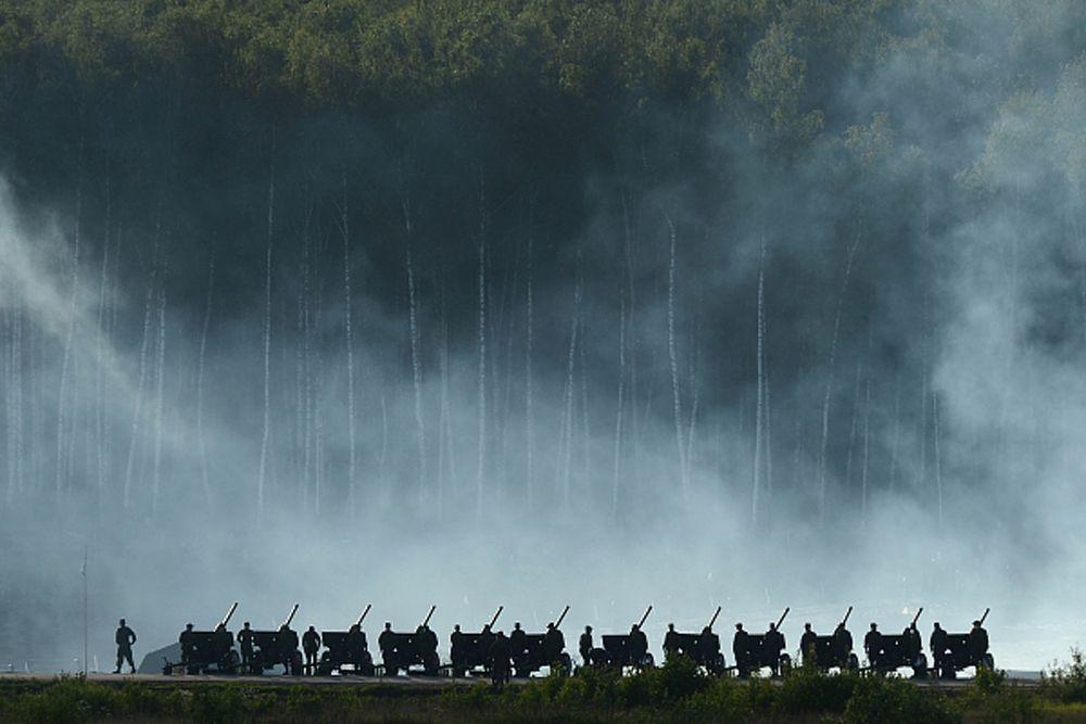 Артиллеристы во время демонстрационной программы Международного военно-технического форума «Армия-2015».