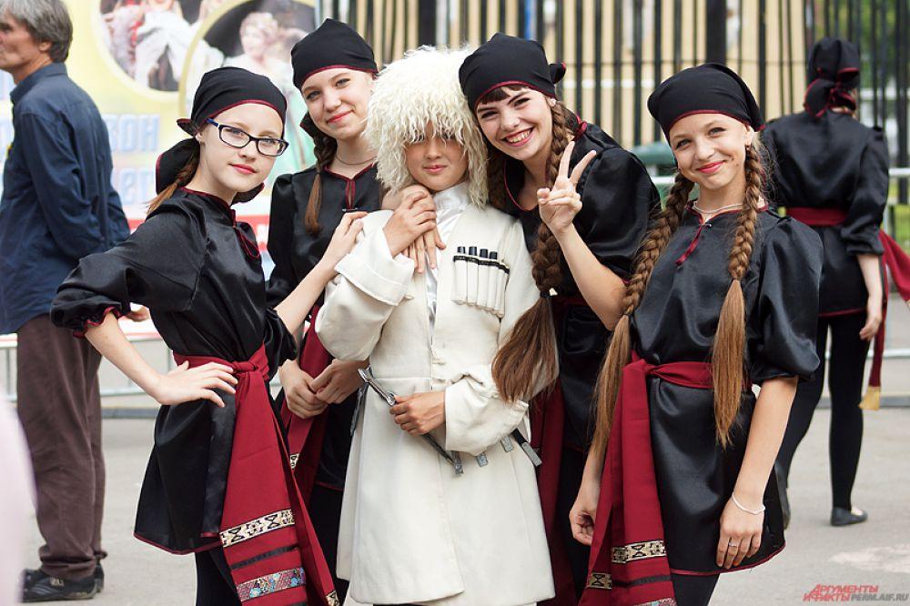 В этот день программа была посвящена восточной культуре народов Кавказа и Средней Азии.