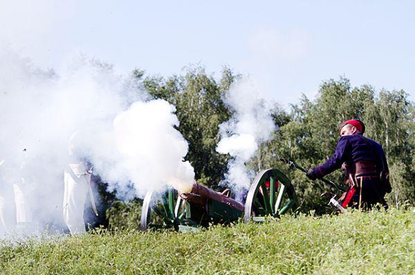 На четвёртый день сражения армия Наполеона не выдержала натиска врага и отступила.