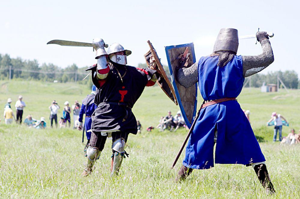 Реконструкторы максимально точно воспроизвели одно из крупнейших в истории сражений - битву под Вилькомиром.