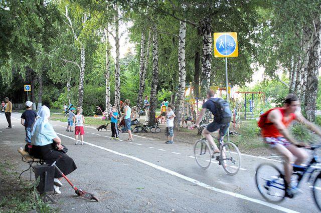 Совмещение велодорожек и детских площадок – неудачная идея