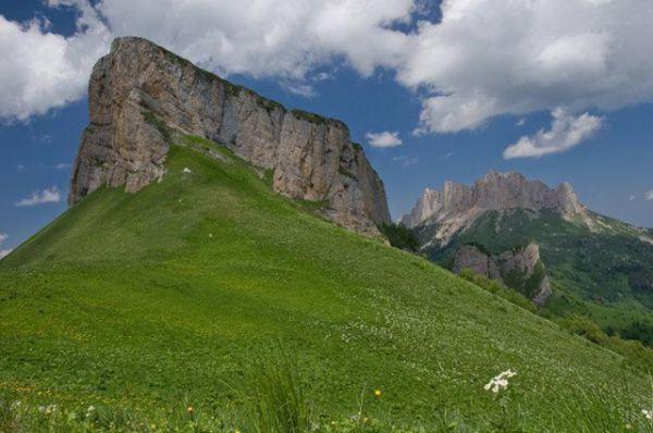 Гора Малый Тхач