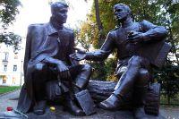 Памятник Твардовскому и Василию Тёркину в Смоленске.