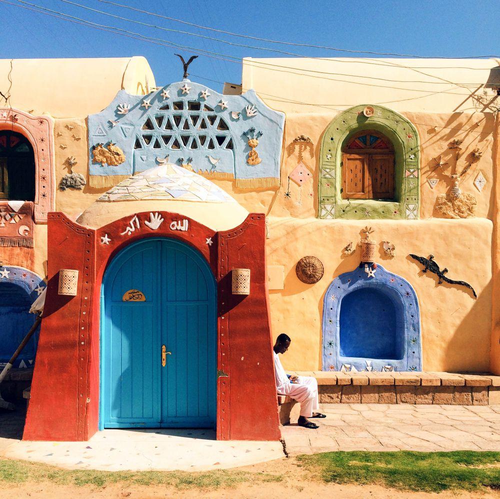 1-е место в номинации «Путешествия» досталось египтянину Ахмеду Солимани. Автор снимка в декабре 2014 года провел со своим другом несколько дней в городе Асуан в Египте. «Это прекрасное место с красочными домами, дружелюбными людьми и завораживающими видами Нила», — вспоминает Ахмед.