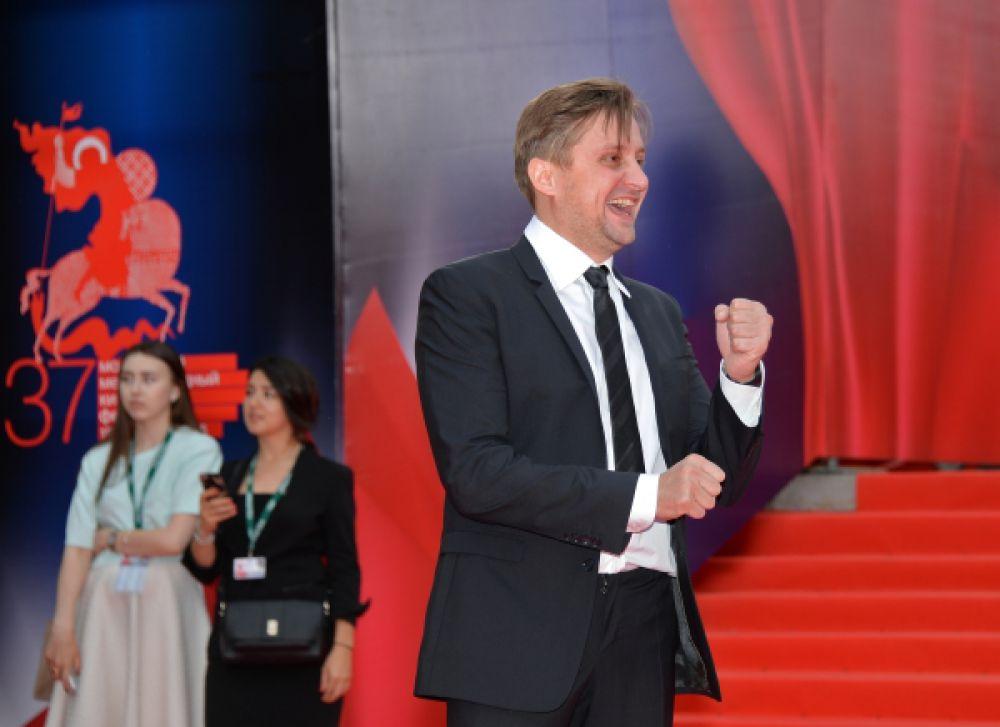 Актер Артем Михалков.
