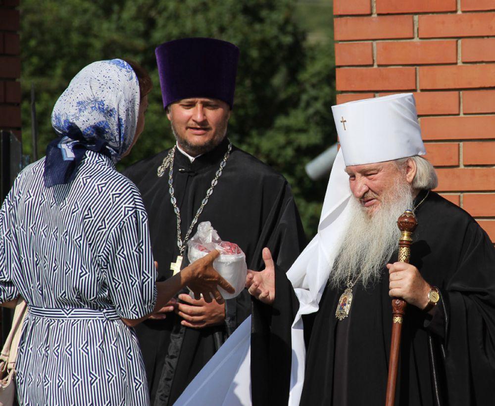Одним из первых на праздник прибыл митрополит Феофан