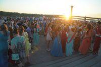 На Иртышской набережной состоится концерт в честь выпускного бала.