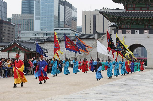 В Республике Корея причудливо сочетаются история и современность.