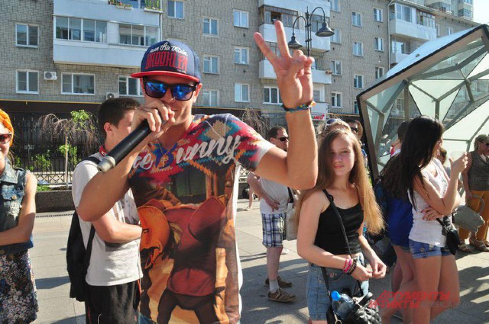 Улица Чокана Валиханова превратилась в омский молодёжный Арбат.